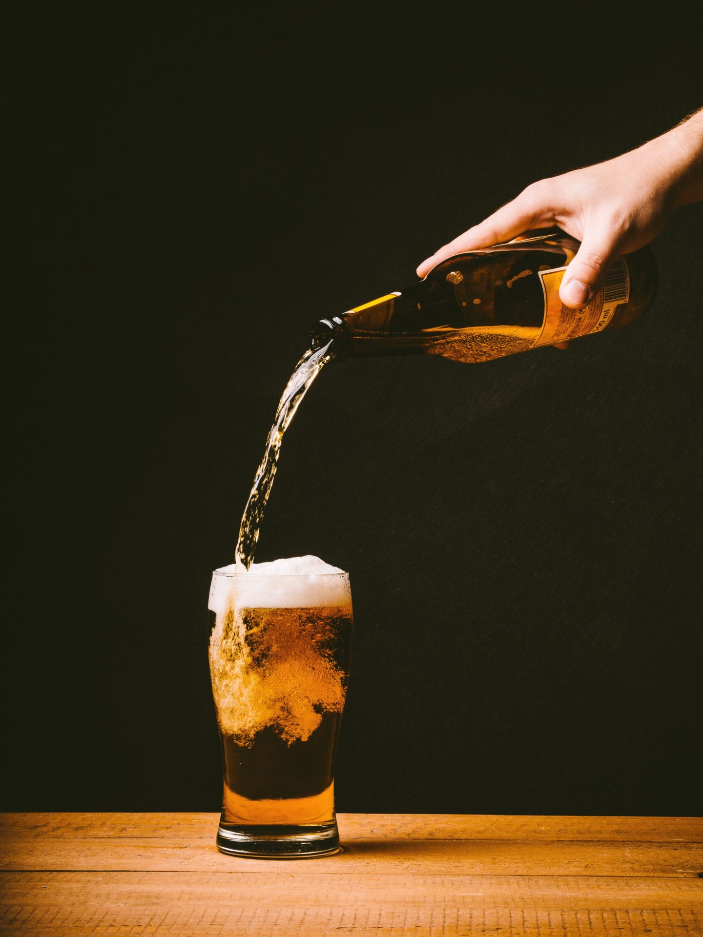 London Scottish Bars - beer being poured into a glass