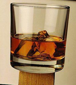 WHISKY GLASS ROCKS